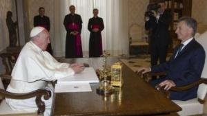 Mauricio Macri se reunió con el Papa y lo invitó a Argentina