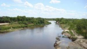 Hallan el cuerpo de un hombre que se ahogó en el Río Santa Lucia