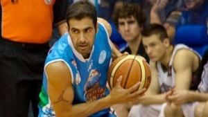 Paolo Quinteros renovó su vínculo con Regatas Corrientes