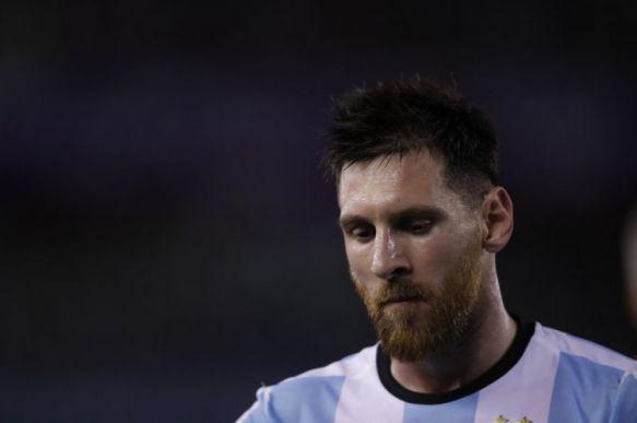 FIFA sancionó por 4 fecha a Lionel Messi por insultar