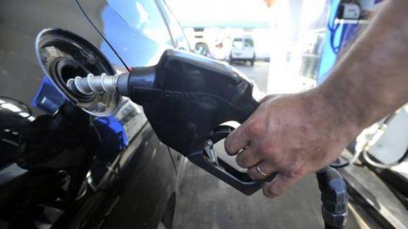 El Gobierno anunció una baja en el precio del gasoil y la nafta