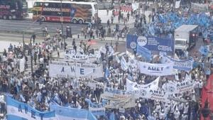 Dia del Trabajador: Reclamo de dialogo
