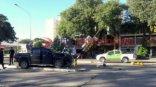 Conductor alcoholizado chocó y destruyó una columna de semáforo en Avenida 3 de Abril