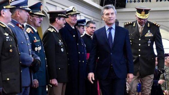 El Gobierno trabaja en reestructurar las Fuerzas Armadas
