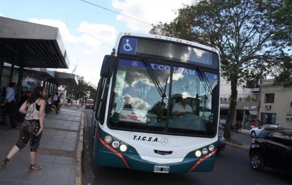 Medida de fuerza por reclamo salarial: Por paro de la UTA no hay servicio de colectivos Chaco-Corrientes