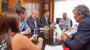 Valdés viajó a Buenos Aires y avanzó en gestiones sobre obras