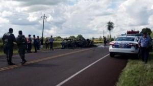 Diez muertos en choque frontal entre dos automóviles en una ruta misionera