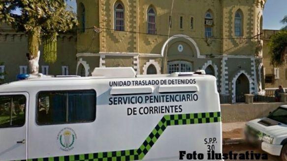 Vehículo del Servicio Penitenciario chocó contra un vacuno por Ruta 12