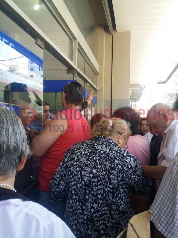 Paro: Banco de Corrientes garantiza pago a jubilados el lunes y martes