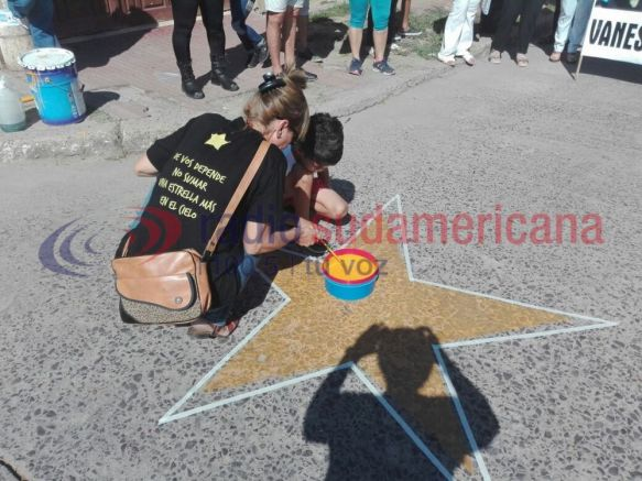 Familiares de Vanesa Saucedo realizaron un acto en su memoria