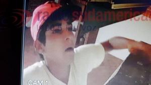 Ingresó a robar a una casa y quedó grabado por las cámaras