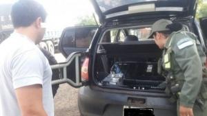 Incautaron celulares de contrabando ocultos en un vehículo