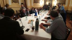 Valdés reunido con intendentes para avanzar en agenda común