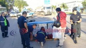 Colisión entre dos motos causó serias complicaciones en el tránsito