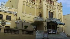 Velarán al Flaco Cosarinsky en el Teatro Juan de Vera
