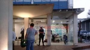 Delincuentes ingresaron y robaron a mano armada en el Diario Época