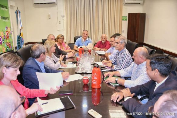 Diálogo salarial docente: AMET insistió con recuperar el salario básico del sector